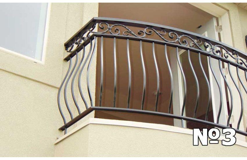 Ограждение балкона дачи