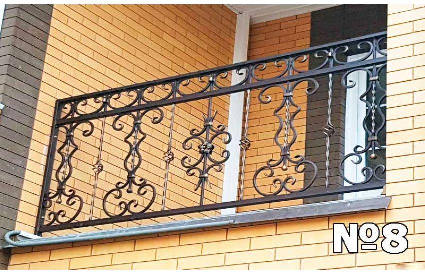 Кованое ограждение балкона для дачи