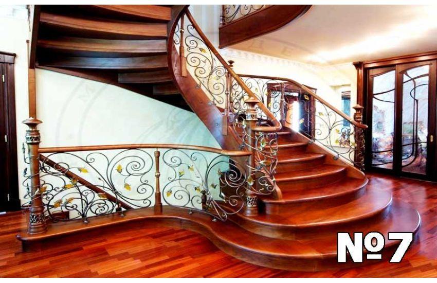 Кованые лестница и перила для дачи