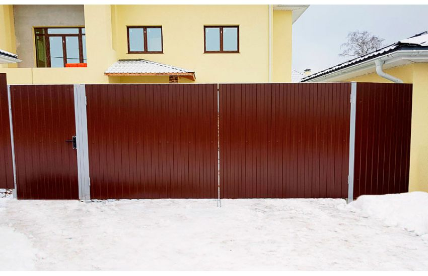 Распашные ворота в Гжели