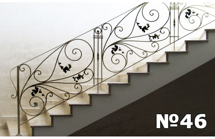 Перила для лестницы в дом