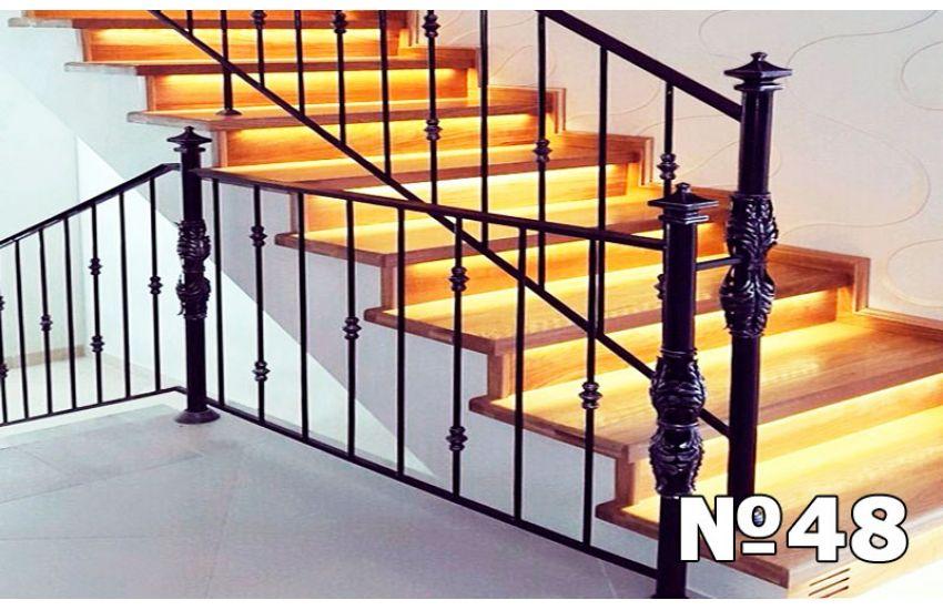 Перила для лестницы для дачи