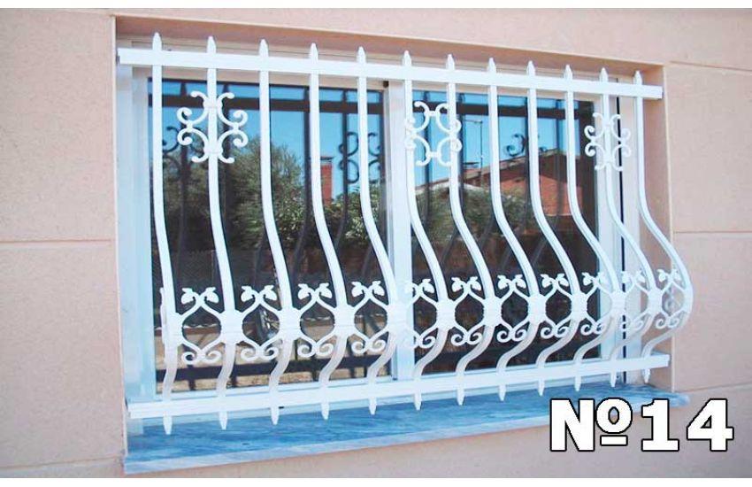кованые решетки на окна фото образец
