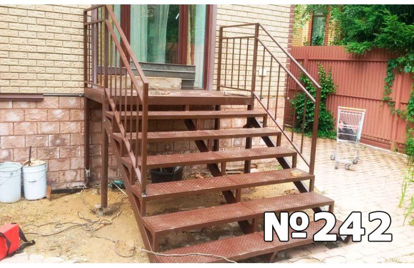 лестница с высокой террасы