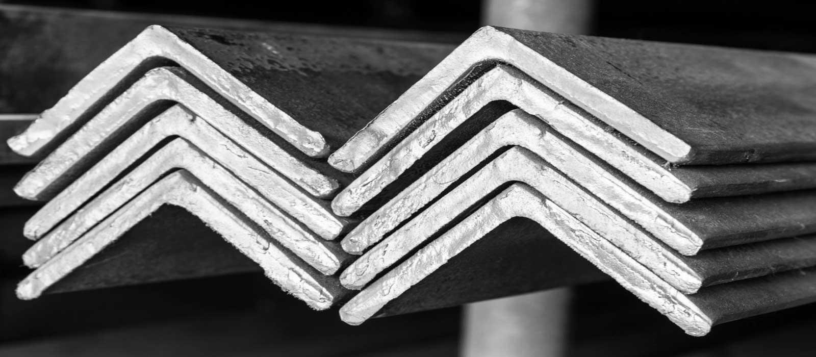 Металлический уголок бронницы